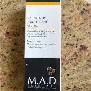 BOGO FREE M.A.D. C4 Intensiv Brightening Serum NWT